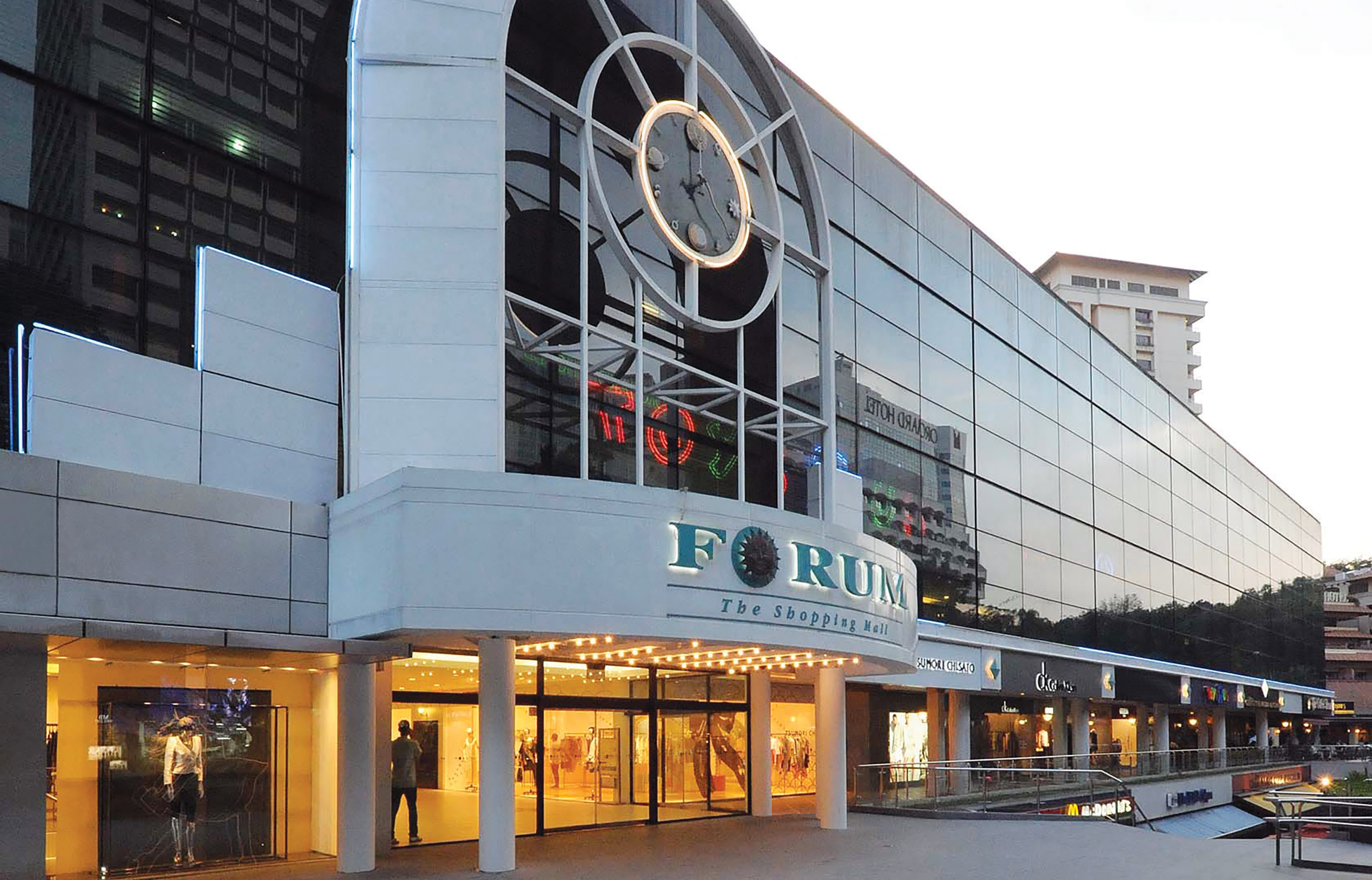 43129863f9c This unique shopping centre offers a wide selection of fashion boutiques